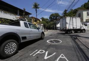 Protesto na Muda. Na Rua Amoroso Costa, moradores criticam o imposto Foto: Fábio Guimarães / Agência O Globo