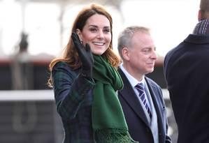 Kate Middleton voltou a usar o casaco xadrez Alexander McQueen. Foto: Karwai Tang / WireImage