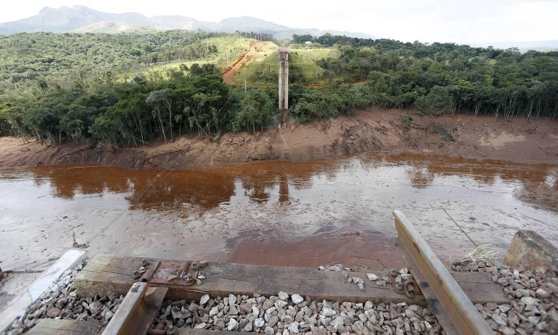 Área atingida pelo rompimento da barragem da Vale em Brumadinho Foto: Domingos Peixoto / Agência O Globo