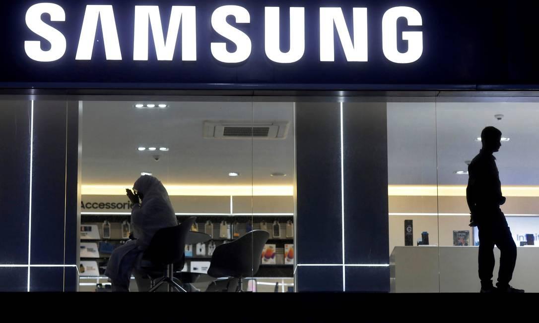 A divisão de smartphones registrou queda de 38% nos lucros do último trimestre de 2018 Foto: ADNAN ABIDI / REUTERS