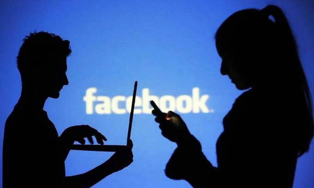 A despeito dos escândalos que colocaram em xeque a privacidade de milhões de usuários, rede social mantém seu crescimento. O número de usuários diários alcançou 1,52 bilhão em dezembro, alta de 9% em relação ao mesmo mês do ano anterior. Foto: Dado Ruvic / REUTERS