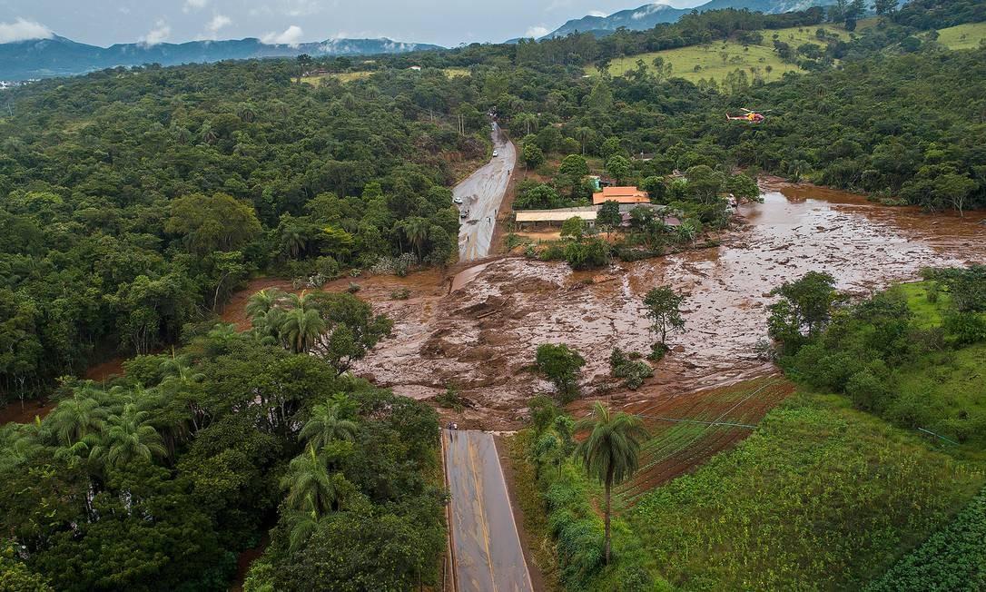 O rompimento da Barragem I da Mina do Feijão, da mineradora Vale, em Brumadinho, Região Metropolitana de Belo Horizonte, deixou pelo menos 99 mortos e 259 desaparecidos Foto: Daniel Marenco / Agência O Globo