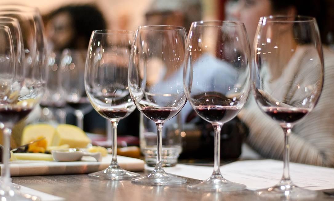Degustações e minicursos estão entre as atrações mais concorridas das vinícolas do Vale dos Vinhedos Foto: Divulgação