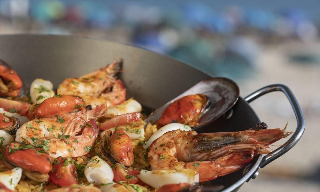 Paella de frutos do mar do Marea, quiosque do Grupo Fasano no Arpoador Foto: Ana Branco / Agência O Globo
