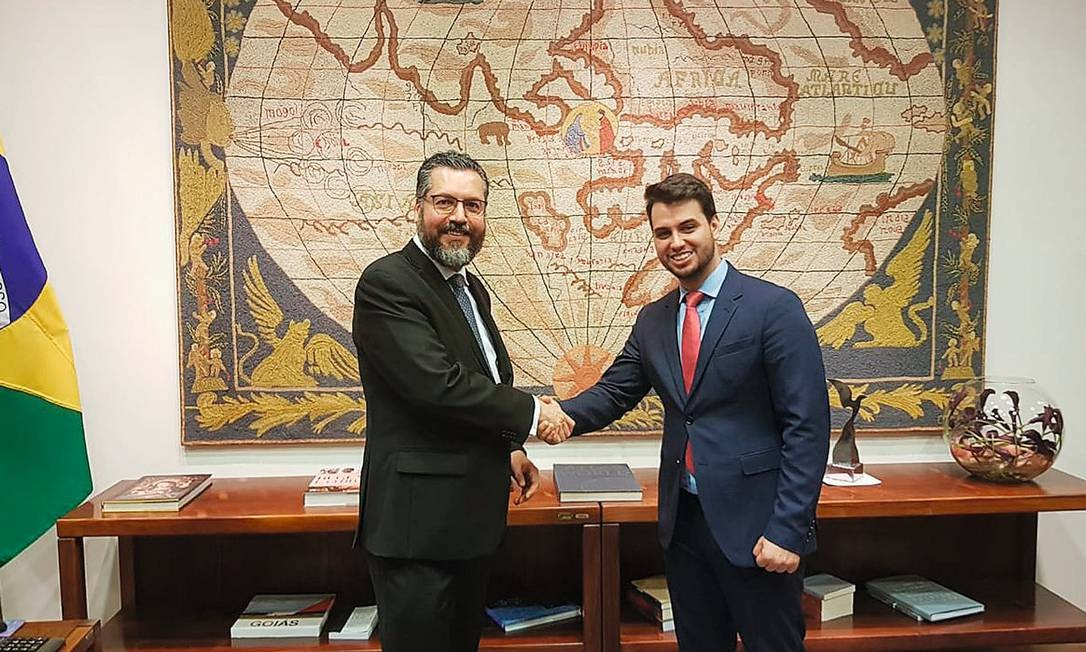 O chanceler Ernesto Araújo com Filipe Martins, assessor de Bolsonaro para assuntos internacionais Foto: Reprodução