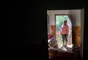 Uma das vítimas de Mariana, Paula Geralda Alves só obteve ajuda financeira em outubro de 2017, quase dois anos depois do desastre Foto: MARCUS DESIMONI / NITRO/EDITORA GLOBO