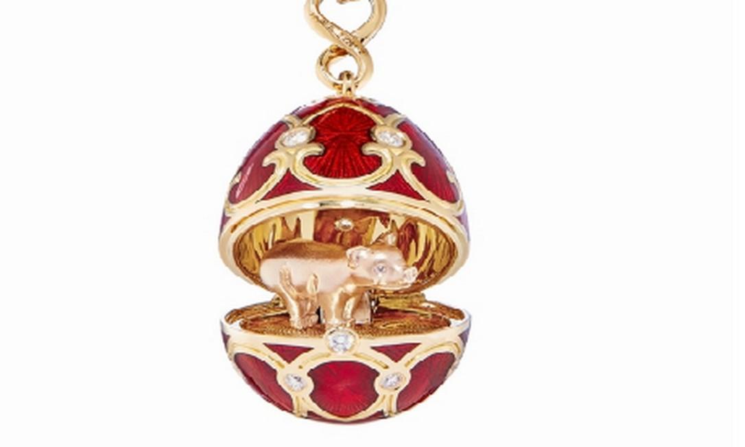 Ovo Fabergé com porquinho de ouro 18 quilates para celebrar o Ano Novo Chinês: US$ 8,2 mil Foto: Reprodução/Site Fabergé