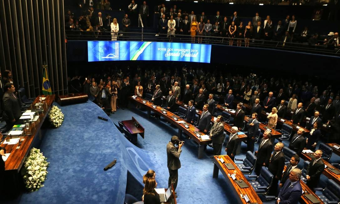 Posse no plenário do Senado dos parlamentares eleitos Foto: Jorge William / Agência O Globo