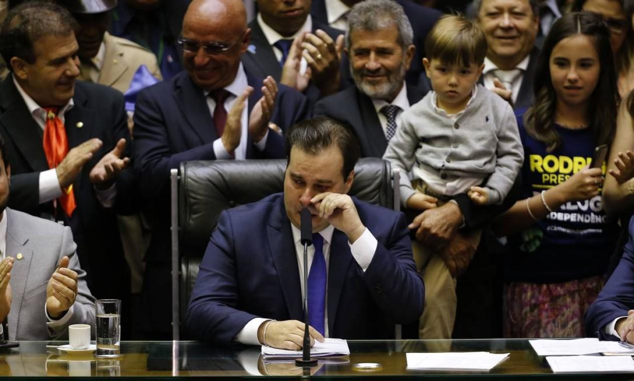 O parlamentar se emocionou com a vitória. O deputado do DEM foi reeleito para o terceiro mandato consecutivo como presidente Foto: Jorge William / Agência O Globo - 01/02/2019