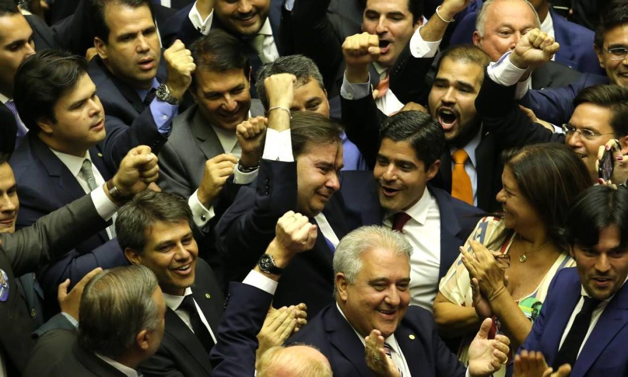 Maia recebeu 334 votos, 77 a mais que o necessário para se eleger no primeiro turno Foto: Jorge William / Agência O Globo - 01/02/2019