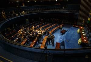 Senadores se reúnem depois da decisão de suspender a eleição para Presidência Foto: Daniel Marenco/Agência O Globo/01-02-2019