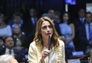 A senadora Soraya Thronicke (PSL-MS) faz juramento ao tomar posse Foto: Geraldo Magela/Agência Senado/01-02-2019