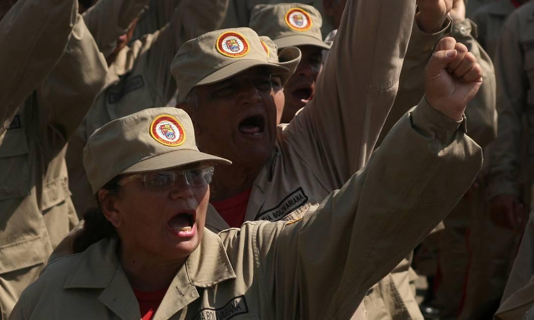 Membros da Forças Armadas Nacionais Bolivarianas em Maracaibo, dezembro de 2018 Foto: Humberto Matheus / NurPhoto via Getty Images