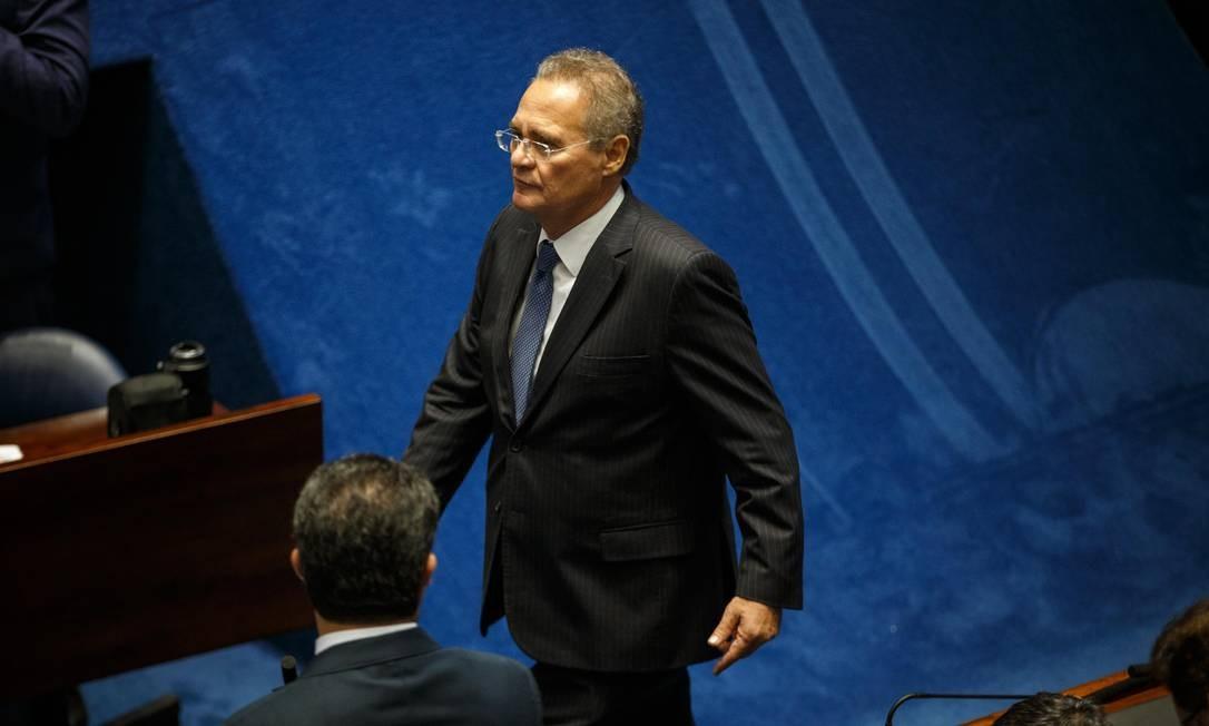 Renan Calheiros deixa o Senado após desistir de sua candidatura Foto: Daniel Marenco / Agência O Globo