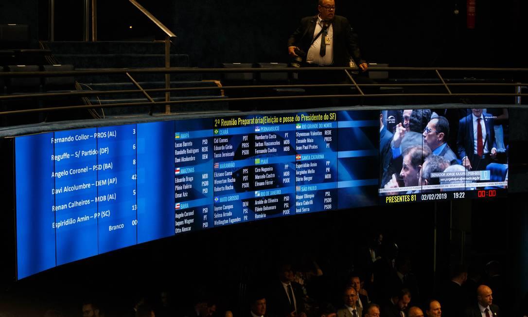 Placar da votação que elegeu Davi Alcolumbre como novo presidente do Senado Foto: Daniel Marenco / Agência O Globo