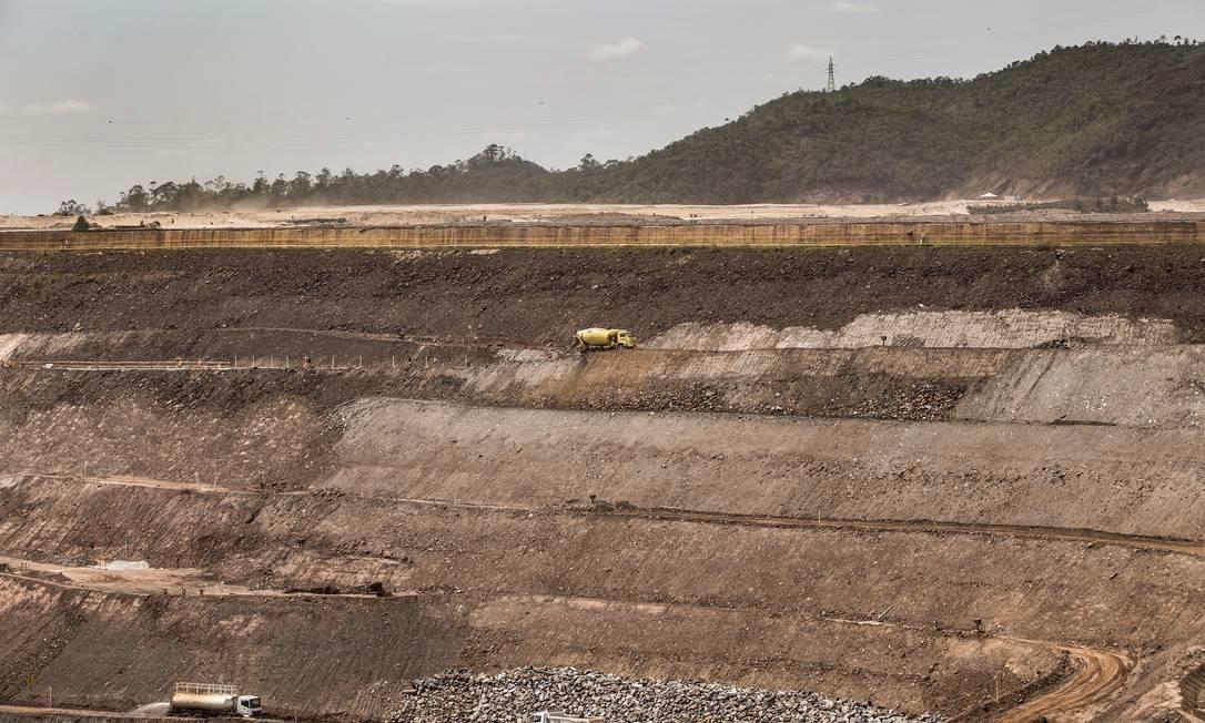 Minas de minério de ferro da Samarco em Mariana (MG), reformuladas depois do desastre em novembro de 2015 Foto: Ana Branco / Agência O Globo