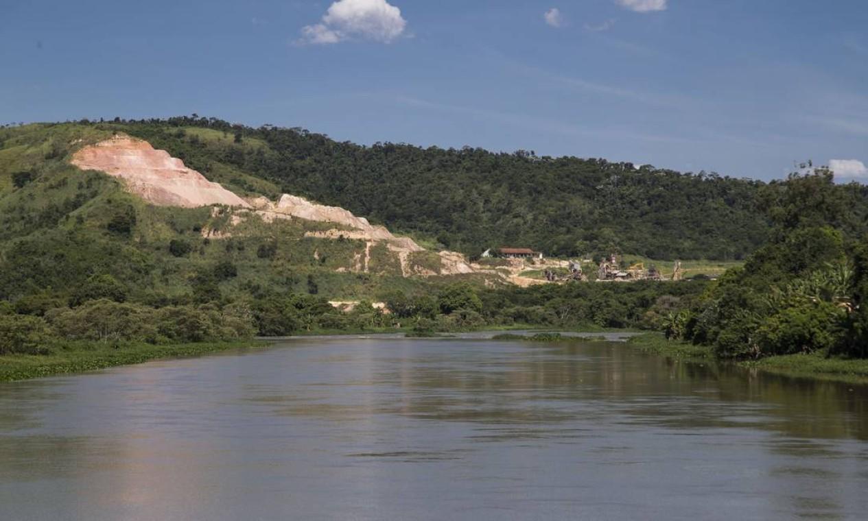 O Rio tem 29 represas para abastecimento ou uso industrial, entre outras funções. A fiscalização de todas é de responsabilidade do Instituto Estadual do Ambiente (Inea), e 21 sequer foram classificadas quanto ao grau de risco Foto: Guito Moreto