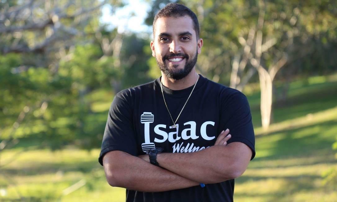 Isaac Soares teve câncer de testículos aos 19 anos. Hoje, aos 29, é formado em educação física com especialização em oncologia Foto: Arquivo Pessoal