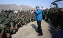 Presidente da Venezuela, Nicolás Maduro discursa para militares em base naval de Turiamo Foto: Palácio de Miraflores / REUTERS