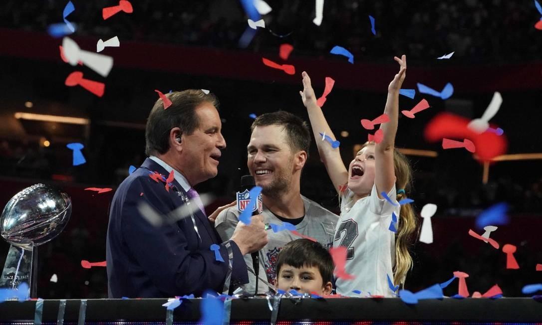 Brady e os filhos com Gisele TIMOTHY A. CLARY / AFP