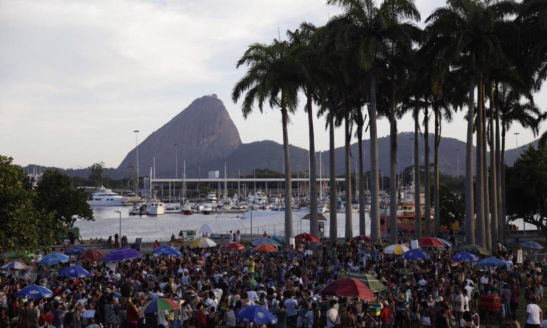 Orquestra Voadora lota reúne multidão Foto: Gabriel Monteiro