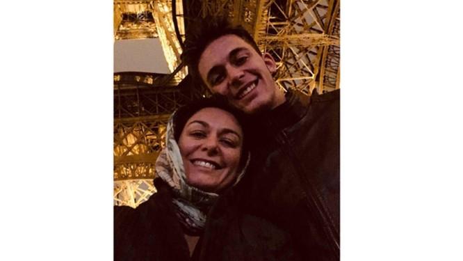 Gabriel Baum na última vez que disse ter se encontrado com a mãe, a ativista Sabrina Bittencourt, em Paris Foto: Acervo pessoal