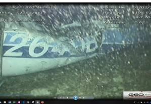 Imagens identificaram corpo entre a fuselagem do monomotor Foto: Reproduçã/Twitter AAIB