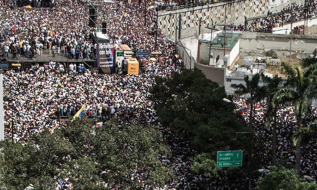 Manifestação contra Nicolás Maduro no último dia 23, quando Juan Guaidó, presidente da Assembleia Nacional, se declarou presidente interino da Venezuela Foto: Rodolfo Churion / VIA GETTY IMAGES