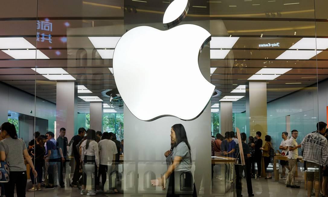 Apple deveria diversificar seu negócio para fazer face aos desafios da indústria tech Foto: CHANDAN KHANNA / AFP