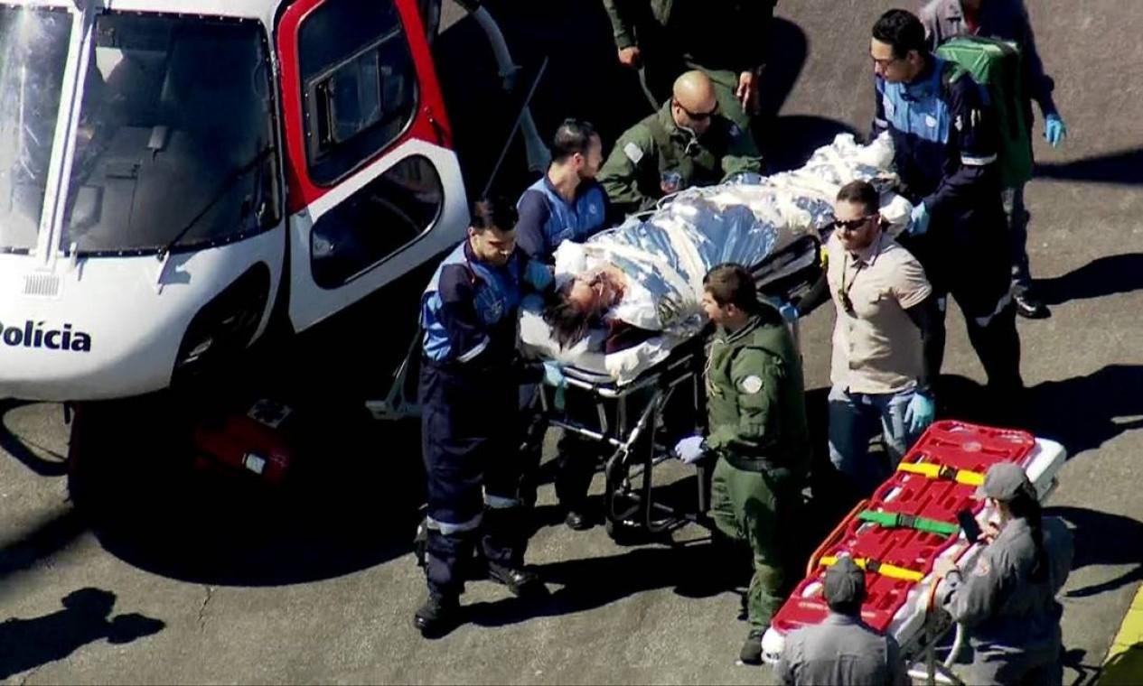 No dia seguinte (7 de setembro), o então candidato é transferido de avião para o Hospital Albert Einstein, em São Paulo. Foto: Reprodução / TV GLOBO