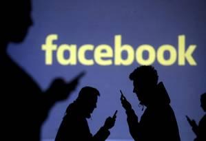 Facebook completou nesta segunda-feira (4) 15 anos de existência. A rede social fundada por Mark Zuckerberg chega à adolescência mostrando desenvoltura para solucionar problemas de gente grande. Foto: Dado Ruvic / Reuters
