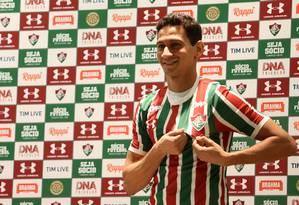 Ganso foi apresentado com a camisa 10 no Fluminense Foto: Pedro Teixeira / Agência O Globo