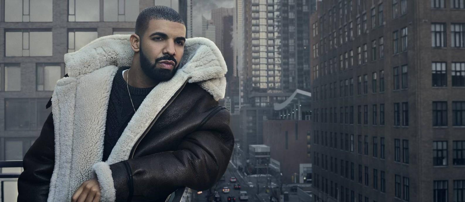 Drake posa em sua cidade natal, Toronto Foto: Divulgação