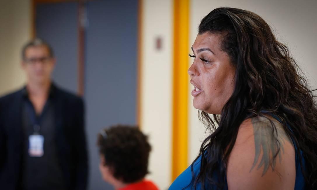 Transexual Alessia Almeida deu aula na Delegacia de Combate a Crimes Raciais de Intolerância (Decreadi), na Lapa Foto: Roberto Moreyra / Agência O Globo