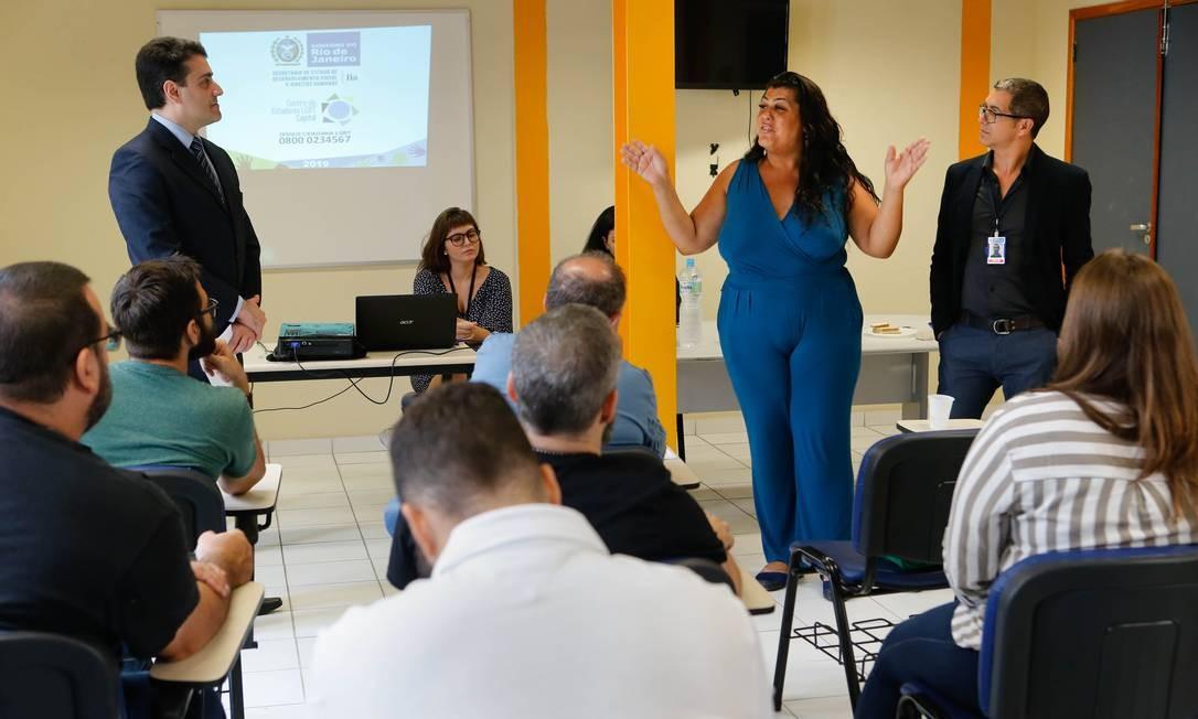 Curso para policiais civis do Rio sobre abordagem a pessoas LGBTI, na Decradi Foto: Roberto Moreyra / Agência O Globo