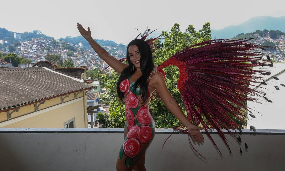 RI - Rio de Janeiro (RJ) 22/01/2019 - Passistas de escolas de samba estão sem verba para desfilar com fantasias na sapucaí e estão recorrendo a pintura corporal. Fotos: Pedro Teixeira / O Globo Foto: Pedro Teixeira / Agência O Globo