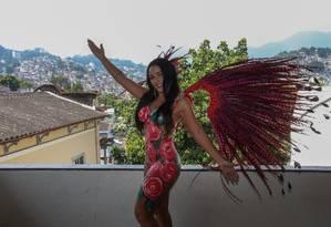 Lu Lobo vai desfilar com o corpo pintado na Unidos da Ponte Foto: Pedro Teixeira / Agência O Globo