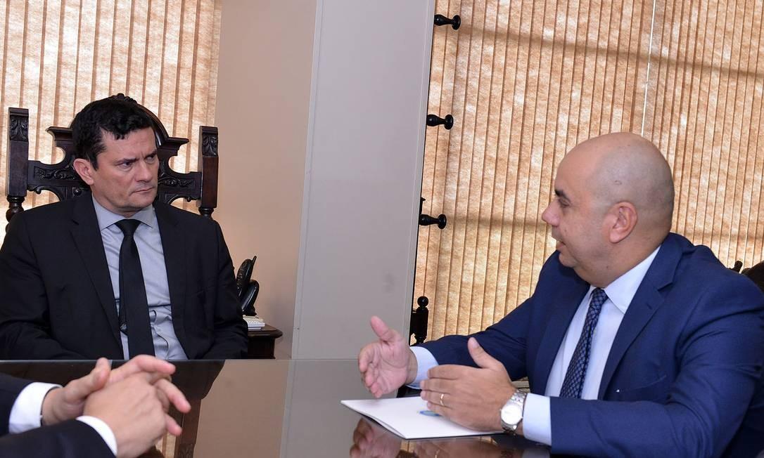 O ministro da Justiça, Sergio Moro, em encontro com o presidente da Ajufe, Fernando Mendes Foto: IsaacAmorim/AG.MJ / Divulgação