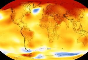 Mapa indica a variação da temperatura média no planeta entre 2014 e 2018, com as áreas em vermelho indicando as maiores elevações frente à média entre 1951 e 1980 e as em azul onde ela foi menor que a média histórica no ano passado Foto: Nasa/Noaa