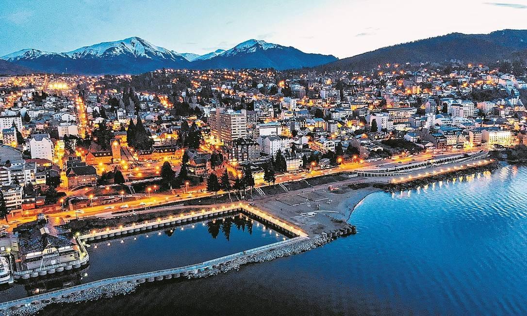 Vista aérea de Bariloche ao entardecer Foto: Divulgação