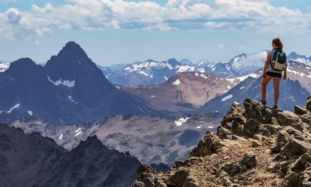Maior estação de esqui da Argentina, Cerro Catedral atrai praticantes de trekking durante o verão Foto: Emprotur / Divulgação