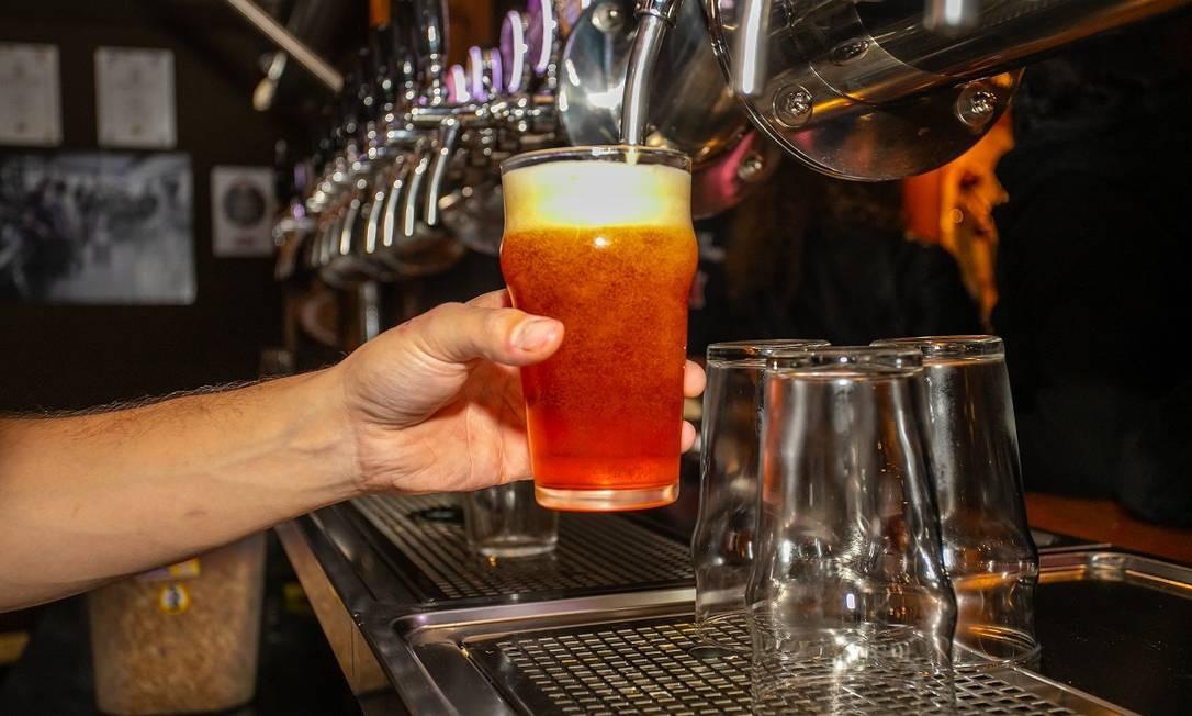 Em fevereiro acontece a tradicional festa da cerveja artesanal em Bariloche Foto: Emprotur / Divulgação