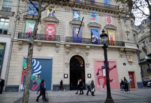 Fachada de Apple Store em Paris: desafios à frente na era pós-iPhone Foto: Charles Platiau / REUTERS