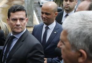 O ministro da Justiça, Sergio Moro, ao chegar para reunião na Câmara com deputados Foto: Jorge William / Agência O Globo