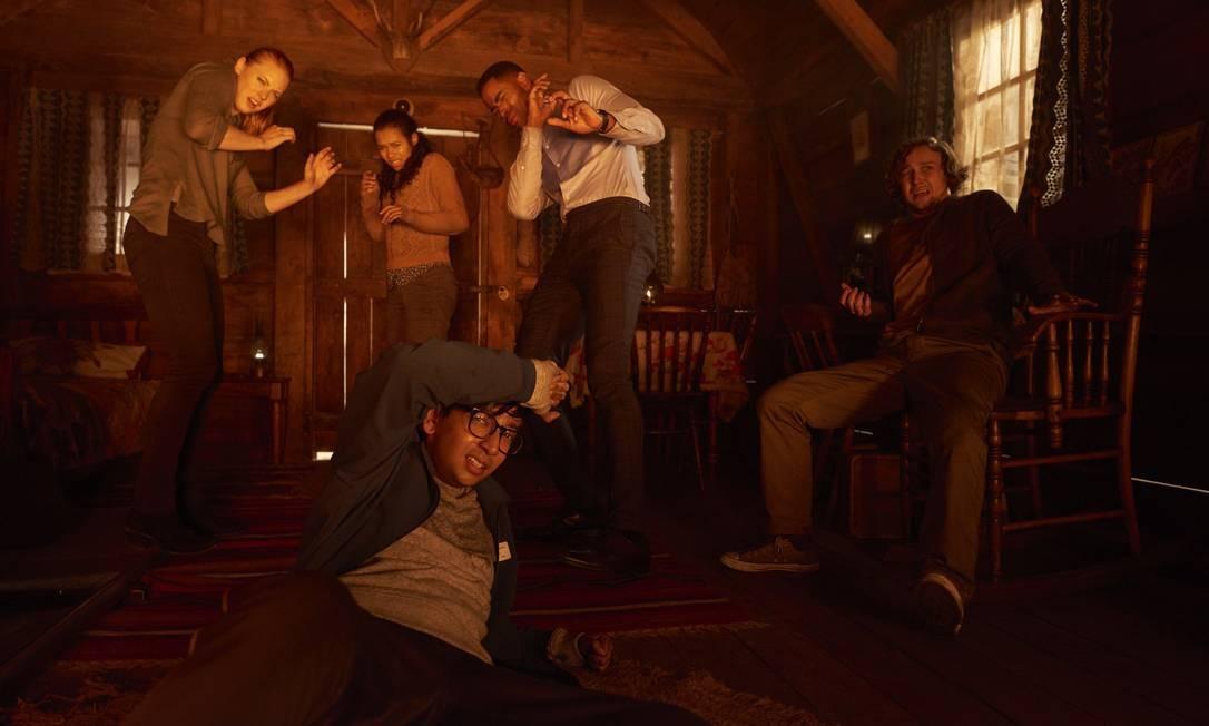 Seis estranhos têm que escapar de um labirinto... ou morrer Foto: Divulgação