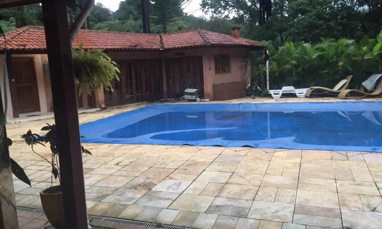 A piscina da casa de Atibaia Foto: Reprodução