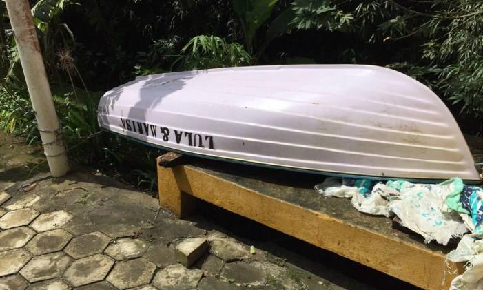 O barquinho usado no sítio de Atibaia, com o nome de Lula e Marisa Foto: Reprodução
