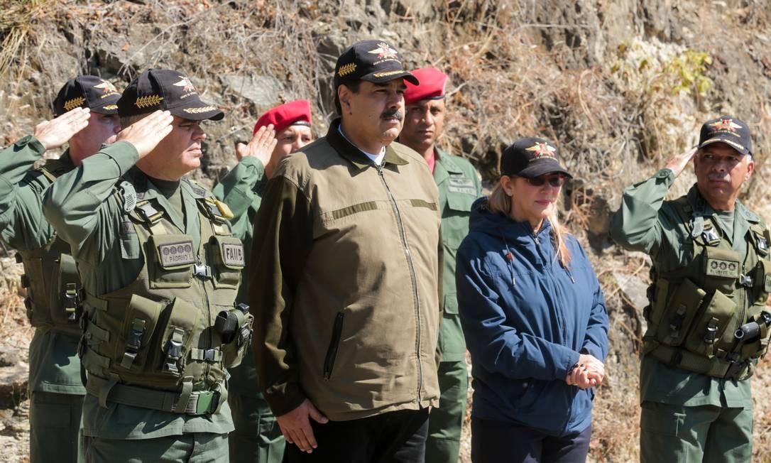Presidente venezuelano, Nicolás Maduro, durante exercícios militares em Macarao Foto: HO / AFP