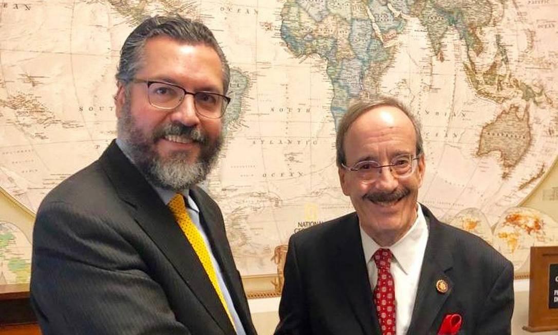 O chanceler Araújo e Engel, presidente da Comissão de Relações Exteriores da Câmara dos Representantes: desejo de trazer congressistas dos EUA ao Brasil Foto: Paola De Orte