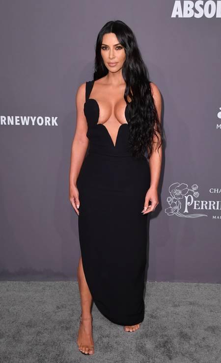 Kim Kardashian, poderosa de Versace Foto: ANGELA WEISS / AFP